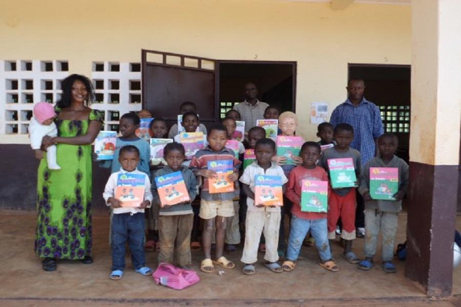 237 actu cameroun education le gouvernement annonce la gratuit des manuels scolaire dans les. Black Bedroom Furniture Sets. Home Design Ideas