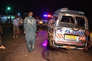 Cameroun-Drame: Une famille de 17 personnes de retour d'une dote, plusieurs trouvent la mort dans le même accident de circulation.