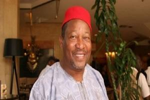 Cameroun-Opinion : Saint Eloi Bidoung sur radio Balafon « si ma candidature est validée, je battrai le président Biya au primaire du RDPC »