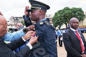 Cameroun : La récompense de  Salomon Désiré Mbeleg, le policier qui a sauvé la vie de Ferdinand Ngoh Ngoh