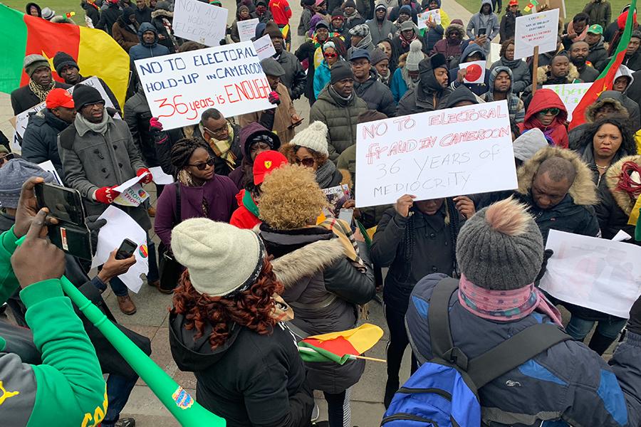 """Diaspora - Ottawa: Les camerounais du Canada crient """"NON au hold up électoral"""" et marchent vers le parlement canadien"""