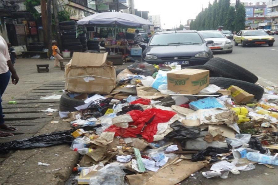 Cameroun-sud-ouest : la ville de Buea souffre de la profusion en ordures ménagères.