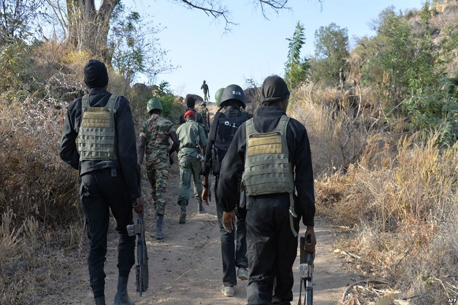Cameroun-Crise Anglophone: Les séparatistes abattent froidement un soldat identifié dans un car de transport
