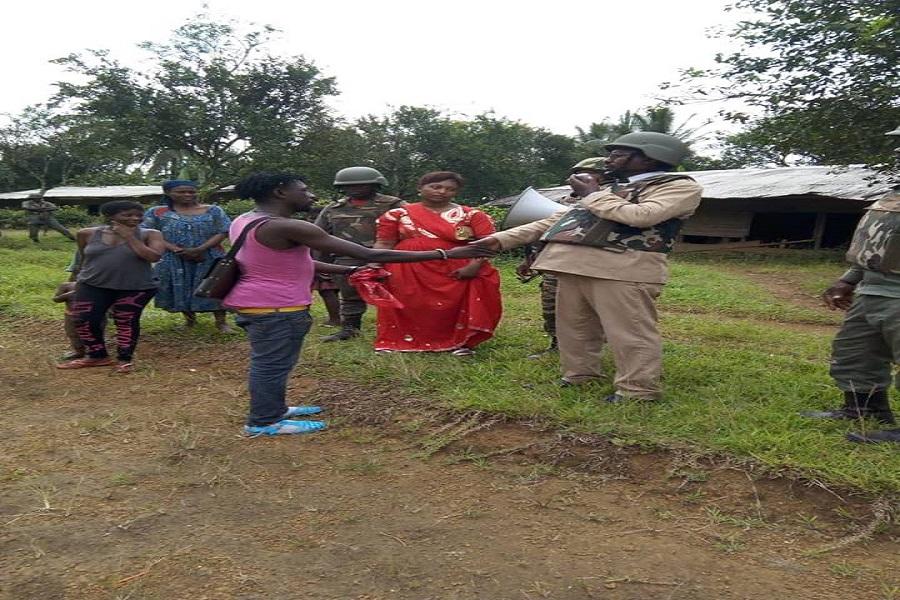 Cameroun-crise anglophone : les prisonniers expriment leur joie après leur mise en liberté.