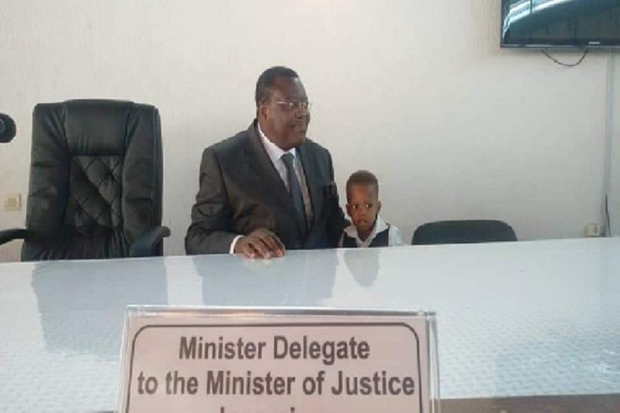 Cameroun: Voici les premières photos du nouveau ministre délégué auprès du Minjustice après son installation