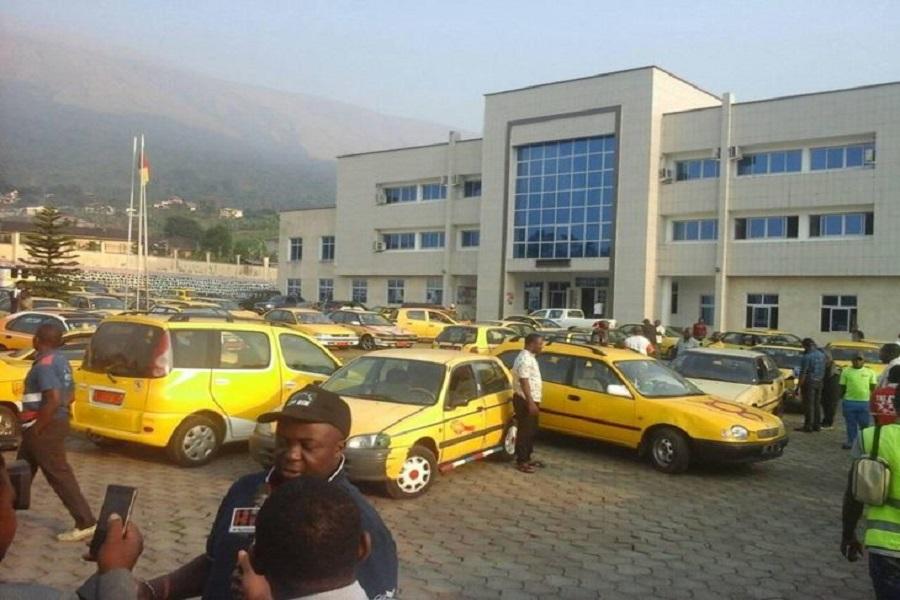 Cameroun-sud-ouest : le Maire de Buea presse une fois de plus les taximen.