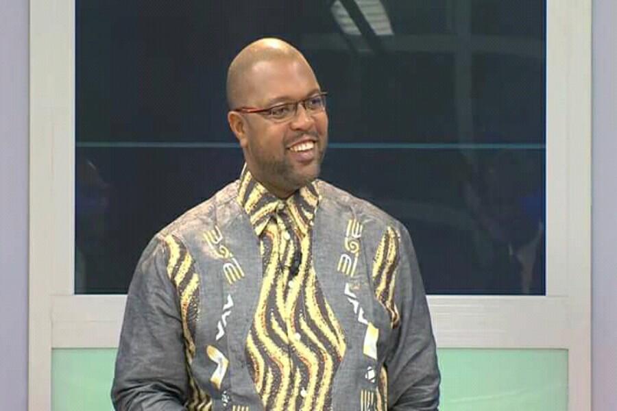 Paul Mahel tourne en ridicule l'ancien-nouveau gouvernement de Paul Biya, et tacle Jean de Dieu Momo au passage