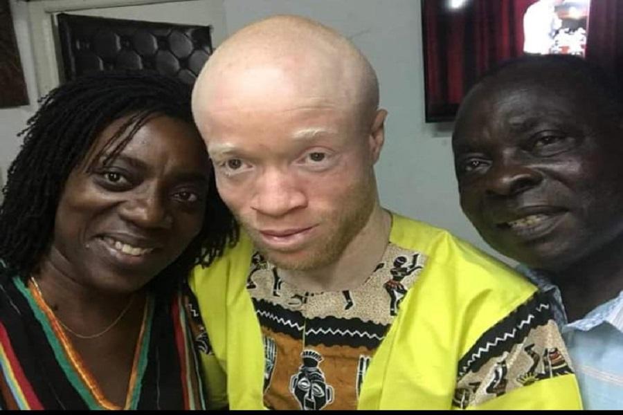 Affaire d'homosexualité : Wilfried Ekanga « détruit » le professeur  Messanga Nyamding