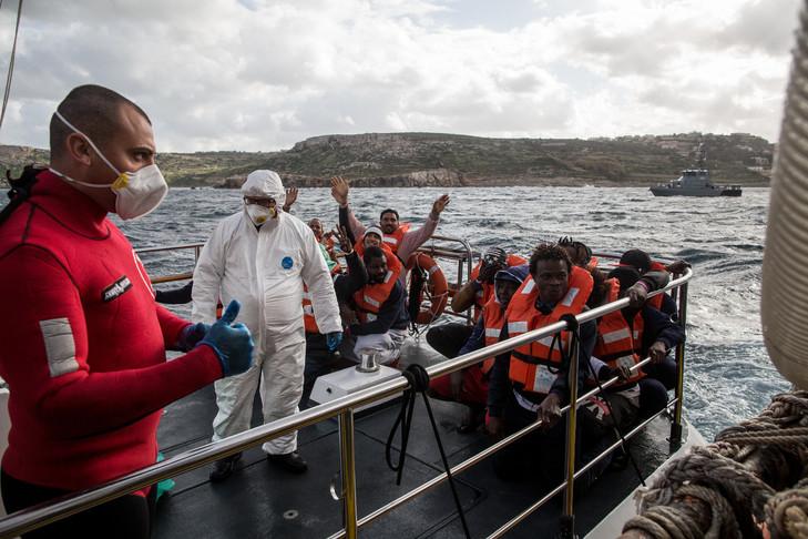 Immigration : Les deux navires, d'ONG Allemande transportant les migrants, ont enfin accostés à Malte.