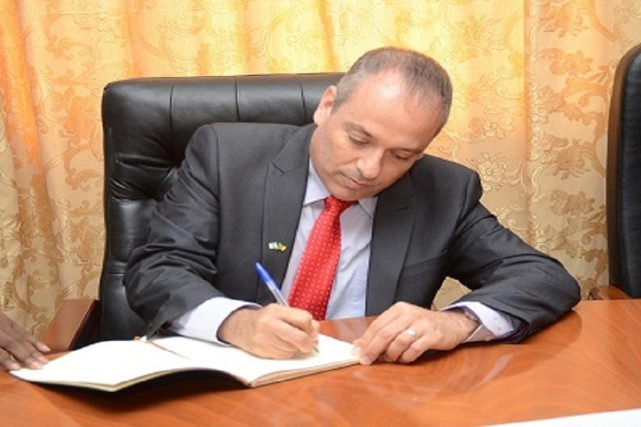 L'Ambassade d'Israël au Cameroun très « choquée » des propos « antisémites » tenus par Me Jean De Dieu Momo sur la télévision nationale CRTV ( communiqué)