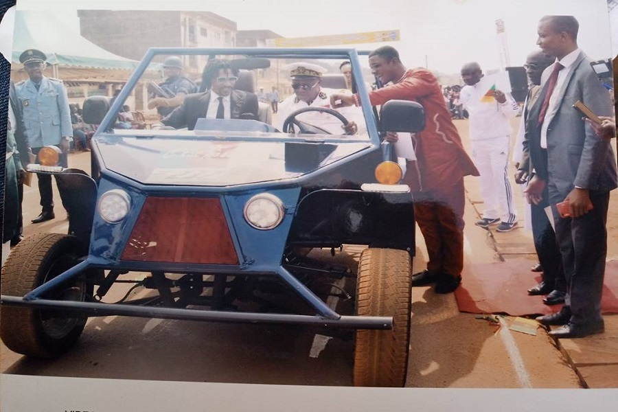 Bafoussam : Le jeune soudeur reçoit le diplôme d'honneur pour avoir fabriqué « une voiture « tout-terrain », made in Cameroon