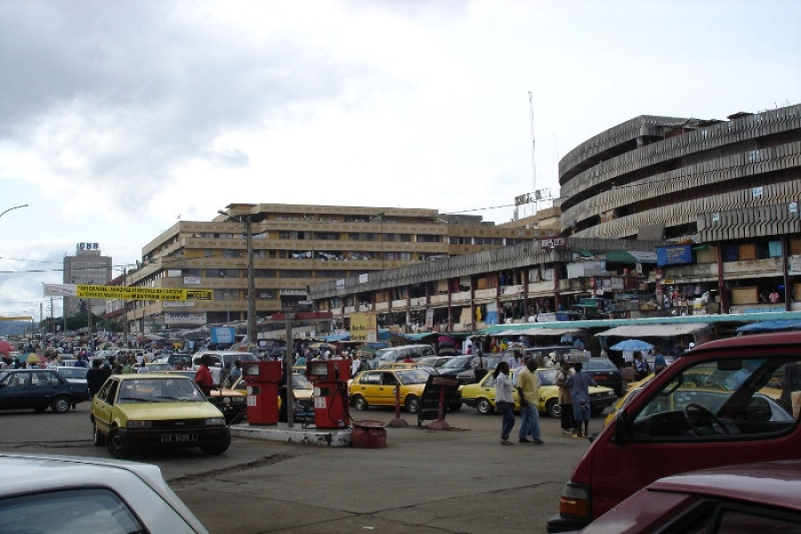 Yaoundé : policiers municipaux et commerçants s'affrontent violemment au marché central