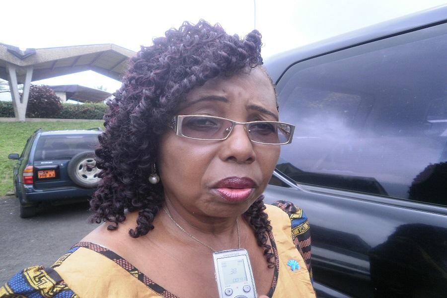 Cameroun : Nalova Lyonga offre 1 millions de Fcfa à la famille du jeune Blériot