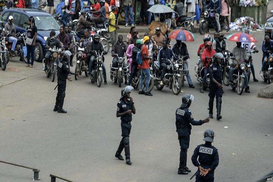 Cameroun-manifestations publiques : le sous-préfet de Bafoussam 3e interdit tout regroupement de trois personnes.
