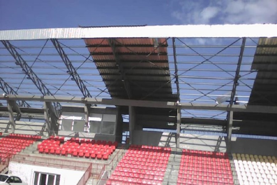 Cameroun : le vent ravage une partie du toit au stade Omnisports de Limbe