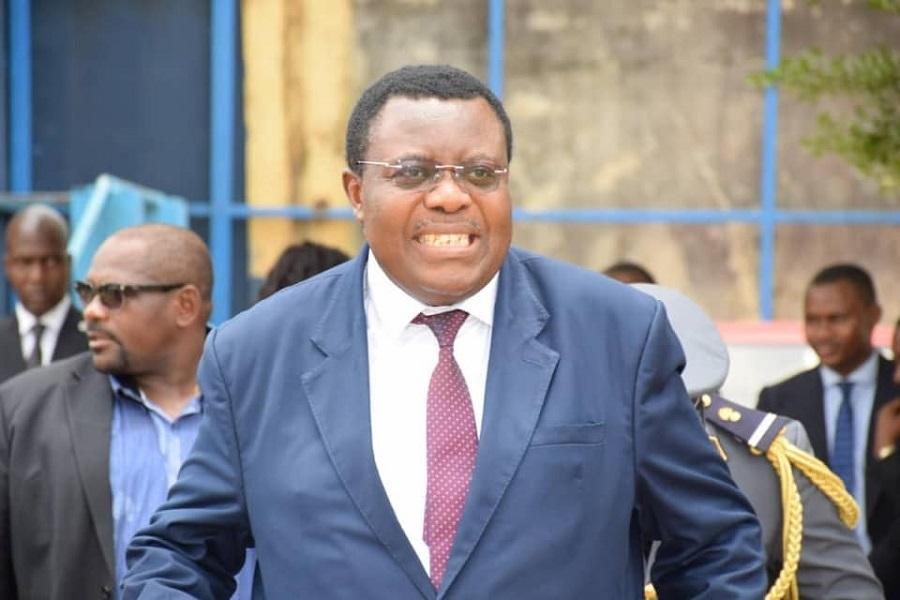 Le ministre Jean De Dieu Momo expulsé d'un groupe whatsapp pour indiscipline.