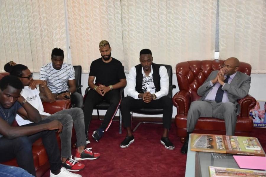 Affaire des primes : Paul Biya met la main dans la poche et les lions acceptent prendre le vol