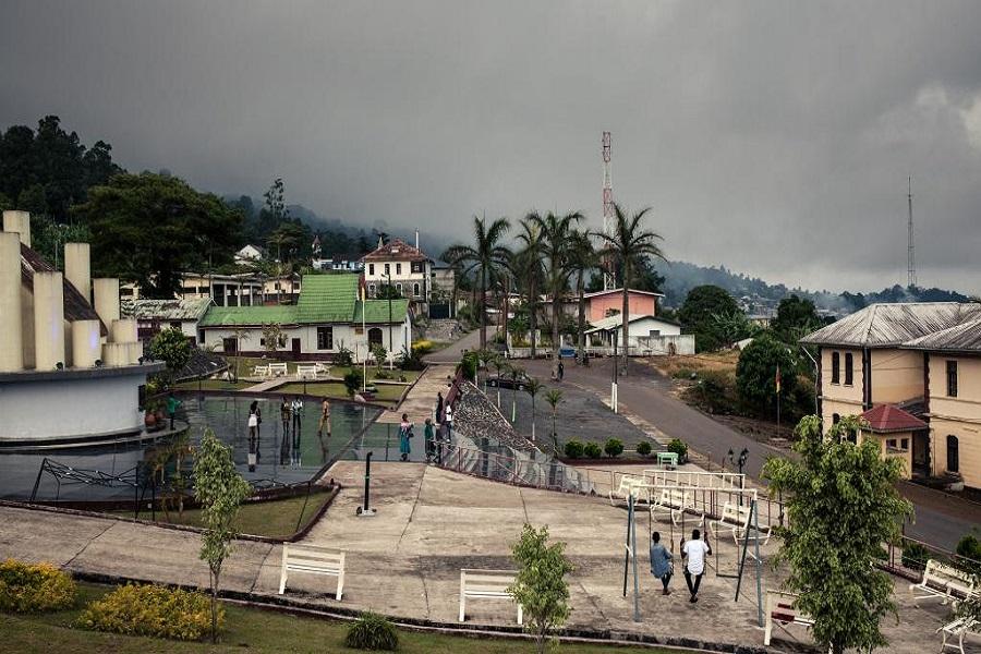 Cameroun : un citoyen américain menacé de mort par un policier à Buea.