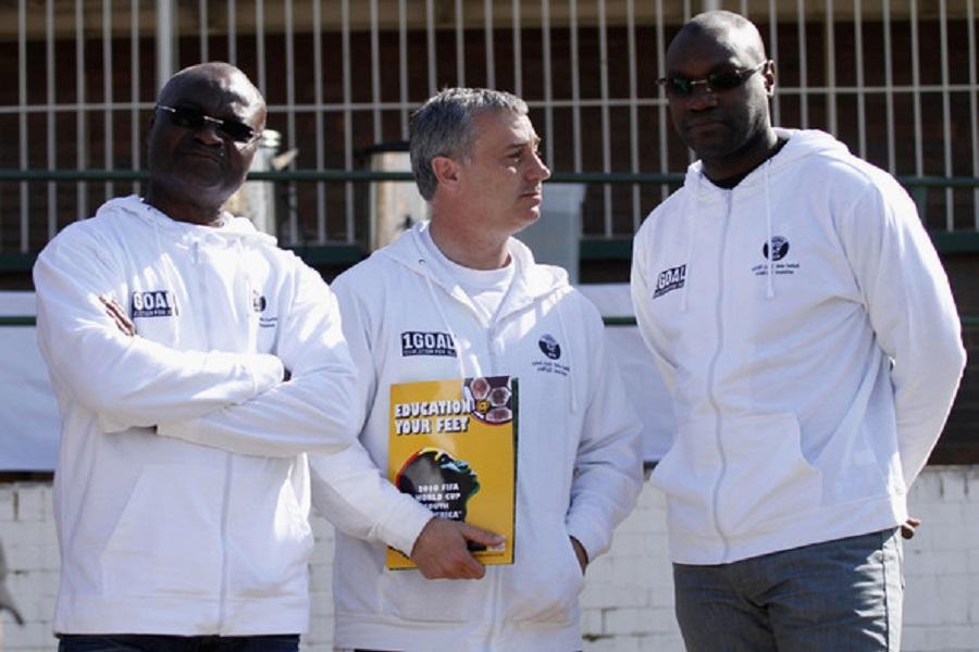 Football : Roger Milla apporte son soutien à Patrick Mboma, candidat au poste d'entraineur des Lions indomptables
