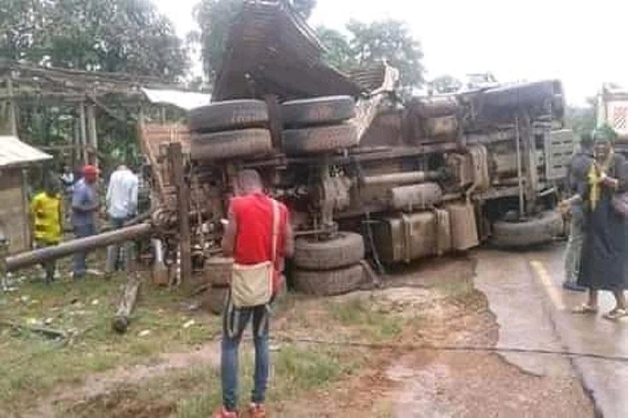 Cameroun : au moins 1 mort dans un accident dans le centre