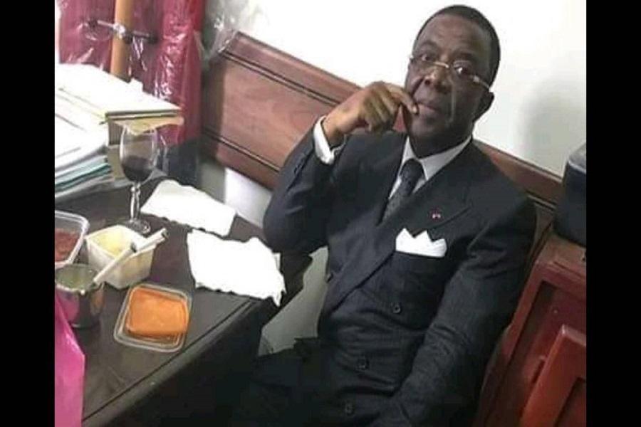 Opération Épervier : Une photo d'Egard Alain Mebe Ngo'o au bureau d'un juge fait le buzz sur la toile