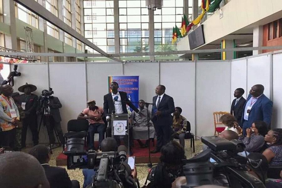 Grand dialogue national : Un général sécessionniste repenti fond en larmes et demande pardon