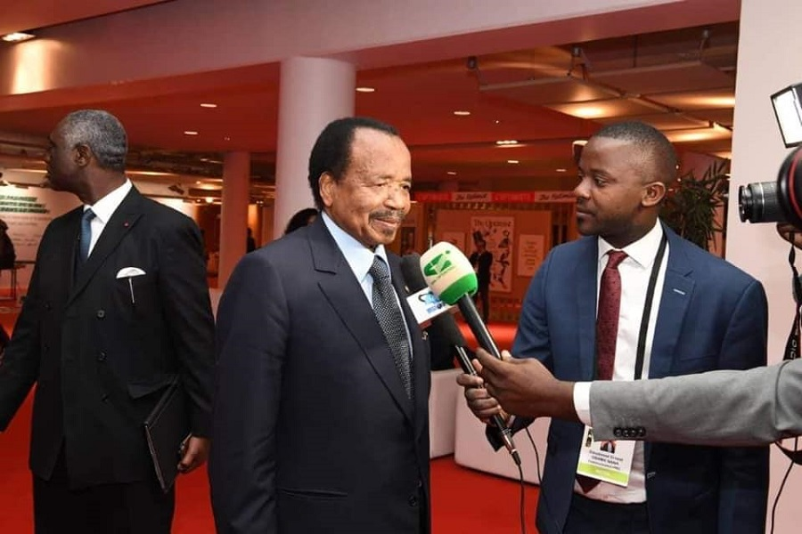 France : Ernest Obama a tendu son micro au président Biya