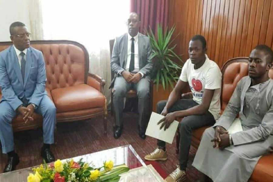 Cameroun : le premier ministre accorde une audience aux « ex-généraux d'Ambazonie »